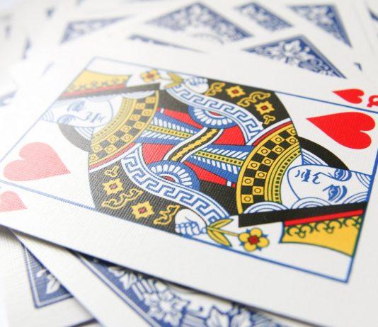 Topp 4 bästa kortspelen för två personer